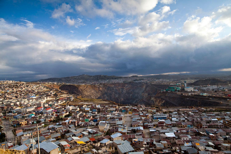 Cerro de Pasco. Photographs for the annual report of AMSAC. Peruvian soil remediation company.